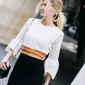 WHITE BELL SLEEVE CROPPED BLOUSE